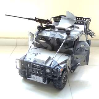 1/6 SCALE ARMORED HUMVEE HUMMER VEHICLE WITH GUN 21ST CENTURY TOYS