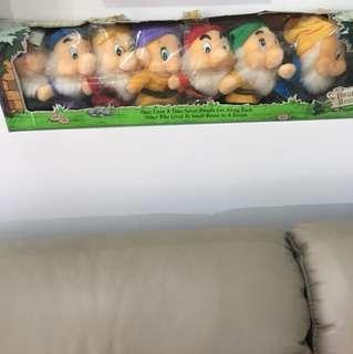 7 Dwarfs stuffed toy