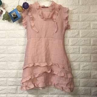 粉色連身裙