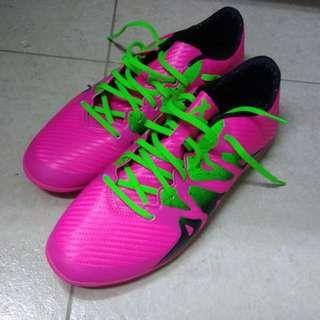 Adidas足球鞋US10