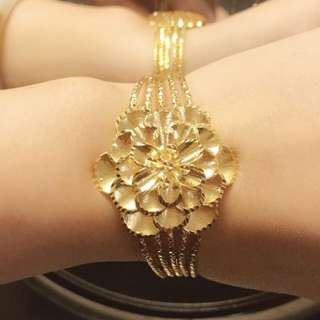 24 gold plated flower 💐 bangle