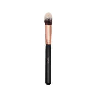 ✨ INSTOCK SALE: Morphe brushes R13 - Pointed Contour Brush
