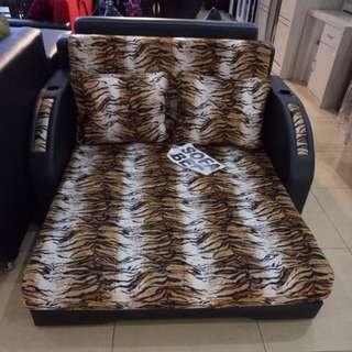 Sofa bad tutul