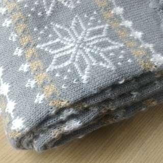 🚚 雪花紮實溫暖圍巾