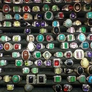 Berbagai cincin kramat