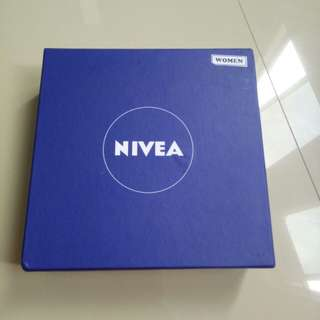 (preloved) NIVEA Surpise Box for Woman