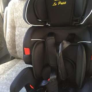 Louis le petit car seat toddler