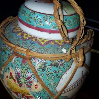 Antique ginger jar of earlie  1900s with seal mark / Not for sale