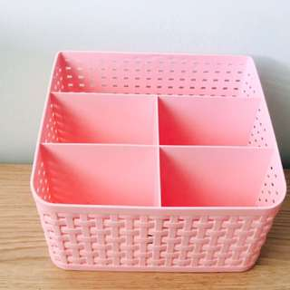 Stationary storage holder