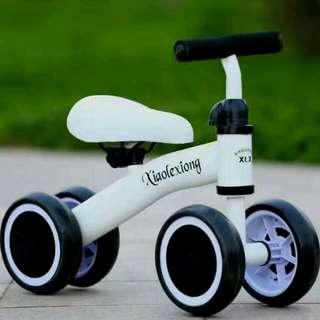 【7-11寄出簡單DIY組裝喔】太可愛了有現貨喔,幼童4輪滑行學步車,兒童滑行平衡助步車,簡單操控,兩腳滑行平衡遊戲,戶外室內都很好玩喔