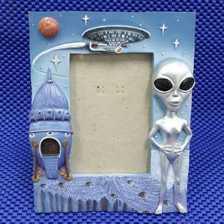 Vintage 1990s Collectible Gray Alien ET With Space Craft On Planet Surface Blue Photo Frame