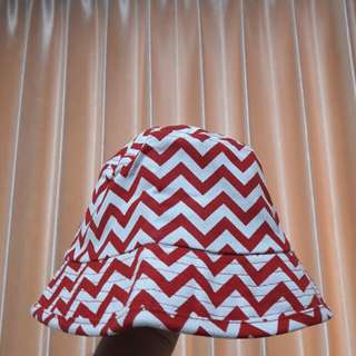Red White zig-zag Bucket Hat