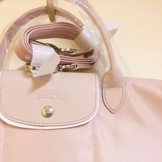 Longchamp Le Pliage Neo 短把水餃兩用包 M號 粉膚色 附背帶 英國outlet購回