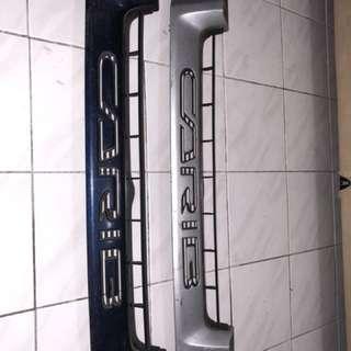 Grill Toyota Carib
