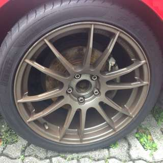 Gun metal 18 inch rim with tyres