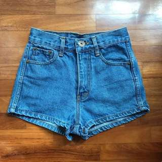 denim high waisted shorts!!