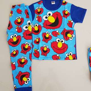 Murah ! Pyjama elmo (left 6yrs)
