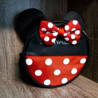 [READY STOCK]  🌸 Mickey / Minnie Round Sling Bag