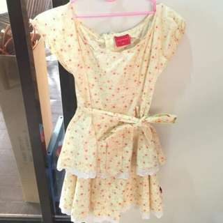 Yellow Flowery Lace Dress with Ribbon