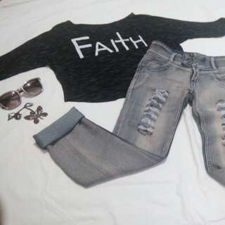🌻Bundle#25 hanging long-sleeve croptop and semi high waist boyfriend jeans