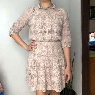 Preppy laced dress