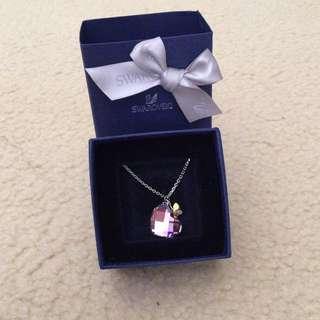 Swarovski pink crystal pendant w/chain