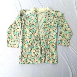 Cardy/blazer motif bunga