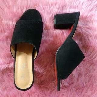 Sheshe Black Mules