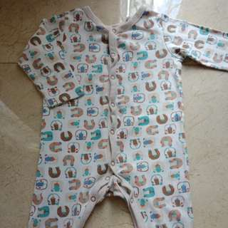 Mothercare sleepsuit 9-12 mont