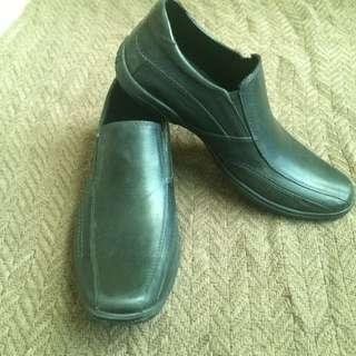 Black Easy Soft Shoes