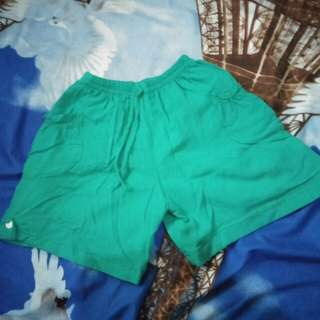 Short pants hijau tosca