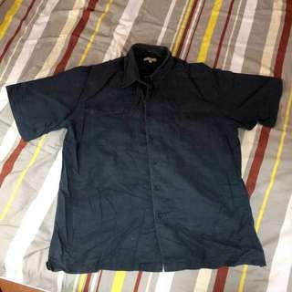 藍色短袖恤衫