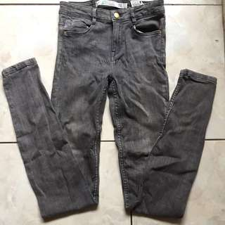 ZARA JEGGING JEANS GREY