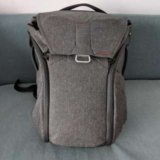 Peaks Design Everyday Backpack 20L in Charcoal