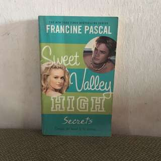 Sweet Valley High: Secrets by Francine Pascal