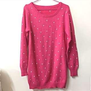 玫紅針織愛心刺繡毛衣