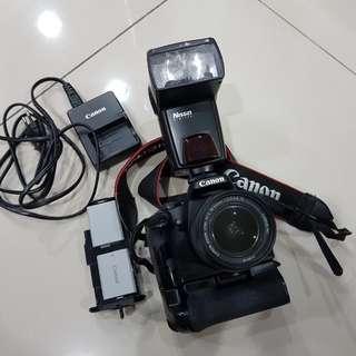 Canon DSLR 1000D + Kit Lense 18-55mm + Nissin speedlite