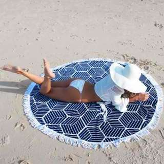 Round Beach Towel with Crochet Blue