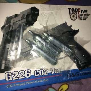 p226 gun 不能回樘 送三枝co2 可轉色