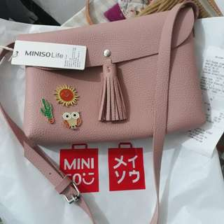 Miniso sling bag + 3 pin. Gak jadi buat kado. tag masih nempel, struk msh ada. free ongkir aja jabodetabek #NYC