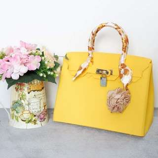 Beachkin 30cm matte & glossy zipper with lining and pockets