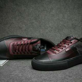 Vans Black Red LS001