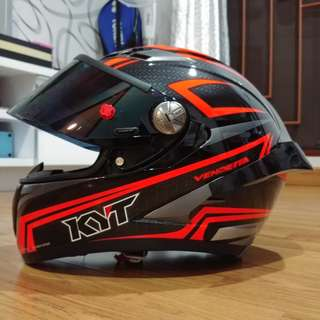 Helm KYT Vendetta 2 Red Fluo Carbon Black