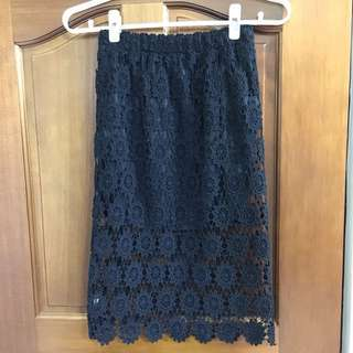 黑色蕾絲及膝裙