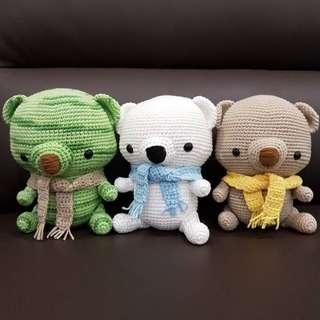 Amigurumi-Paddy the Polar Bear (pattern from Storyland Amis)