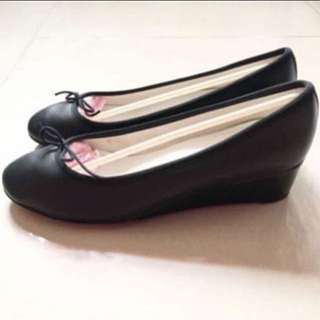 (NEW) 39 Repetto - NORMA LEATHER WEDGE PUMPS