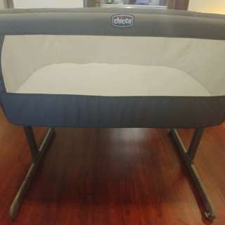 Chicco Next2Me Bedside Crib