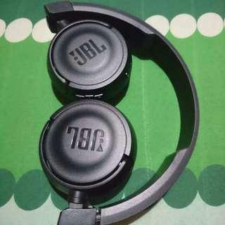 JBL Pure Bass Sound Bluetooth T450BT Wireless On-Ear Headphones Black