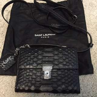 全新YSL 黑色真皮斜背小袋