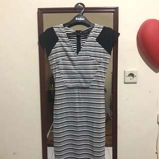Dress selutut black stripes stretch wanita